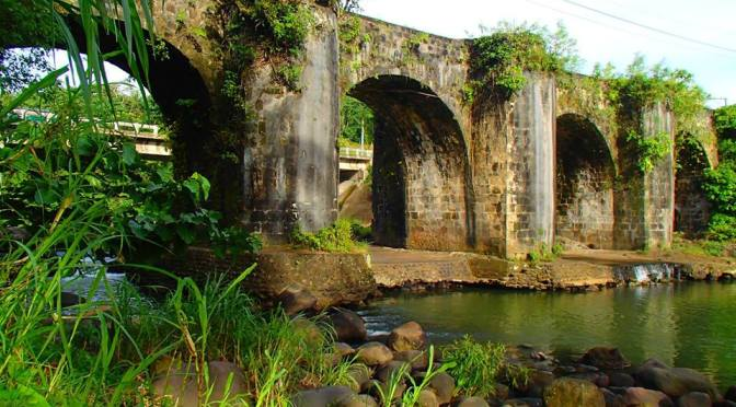 TRAVEL GUIDE | How to get to Historical Malagunglong Bridge in Tayabas City. Wait! There is more!