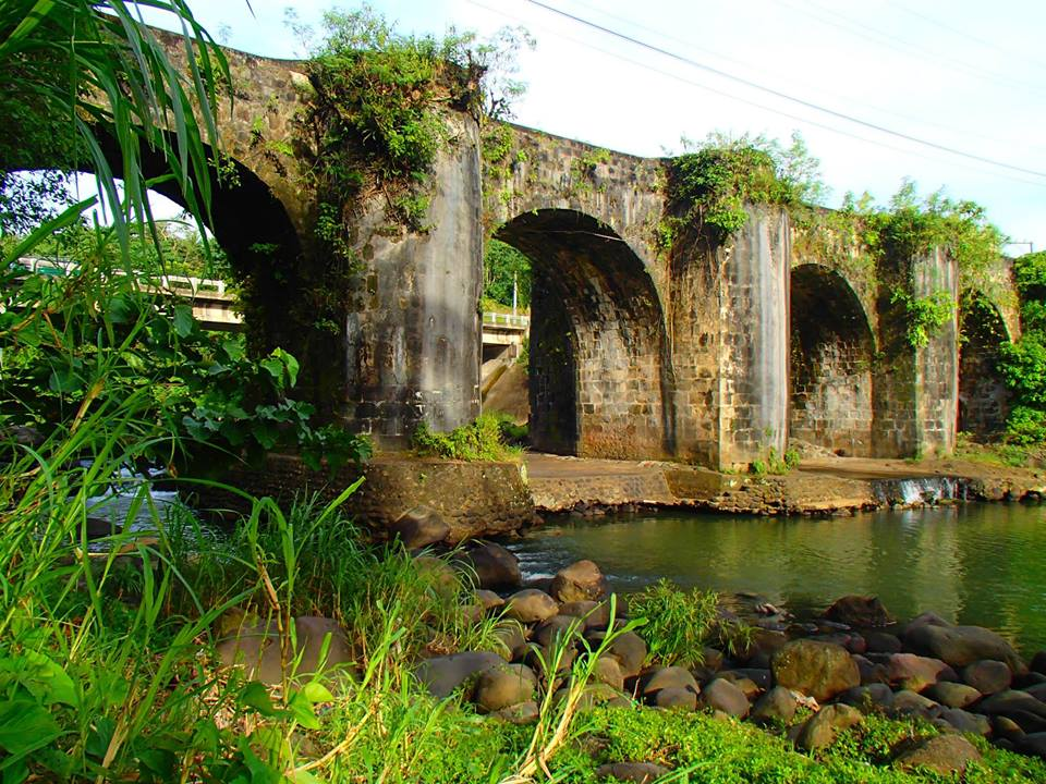 TRAVEL GUIDE   How to get to Historical Malagunglong Bridge in Tayabas City. Wait! There ismore!