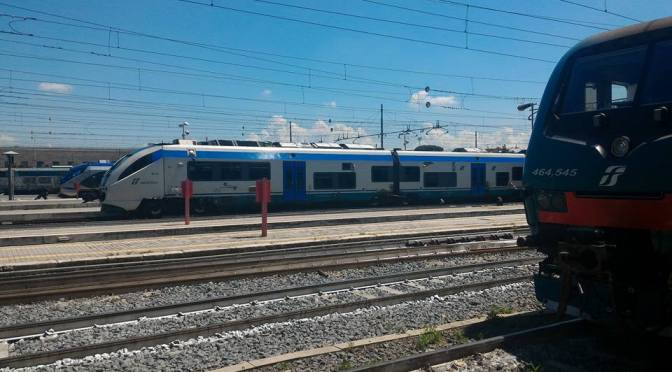 TrenItalia Long Distance Train from Rome to Pisa 2016